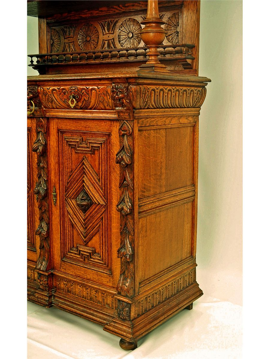 ... Image 6 : Belgian Oak Court Cupboard, with Stained Glass - Belgian Oak Court Cupboard, With Stained Glass