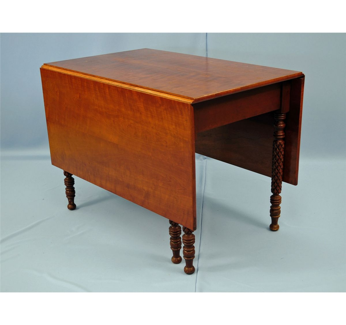 Federal style drop leaf cherry dining table for Styling a dining table