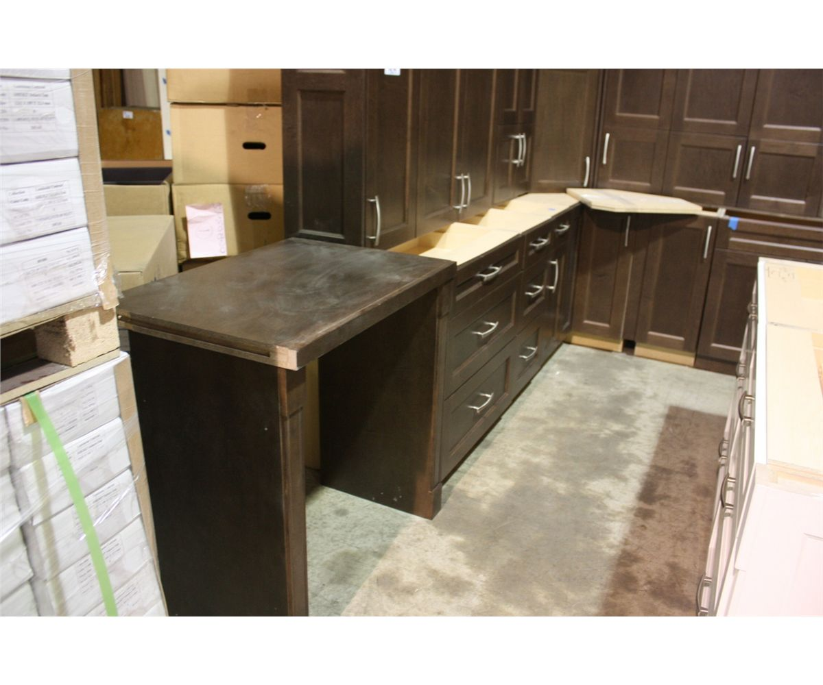 20 peice espresso designer kitchen cabinet set with fridge for Auctions for kitchen cabinets