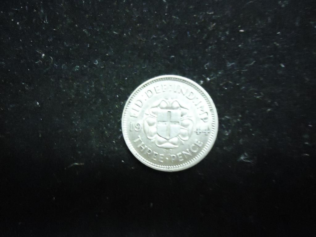 1944 Great Britain Silver 3 Pence Unc