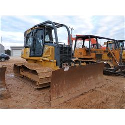 JOHN DEERE 700J LGP CRAWLER TRACTOR, S/N 123354 (06 YR) 6 WAY BLADE, ECAB W/AIR, SWEEPS, SCREENS, ME
