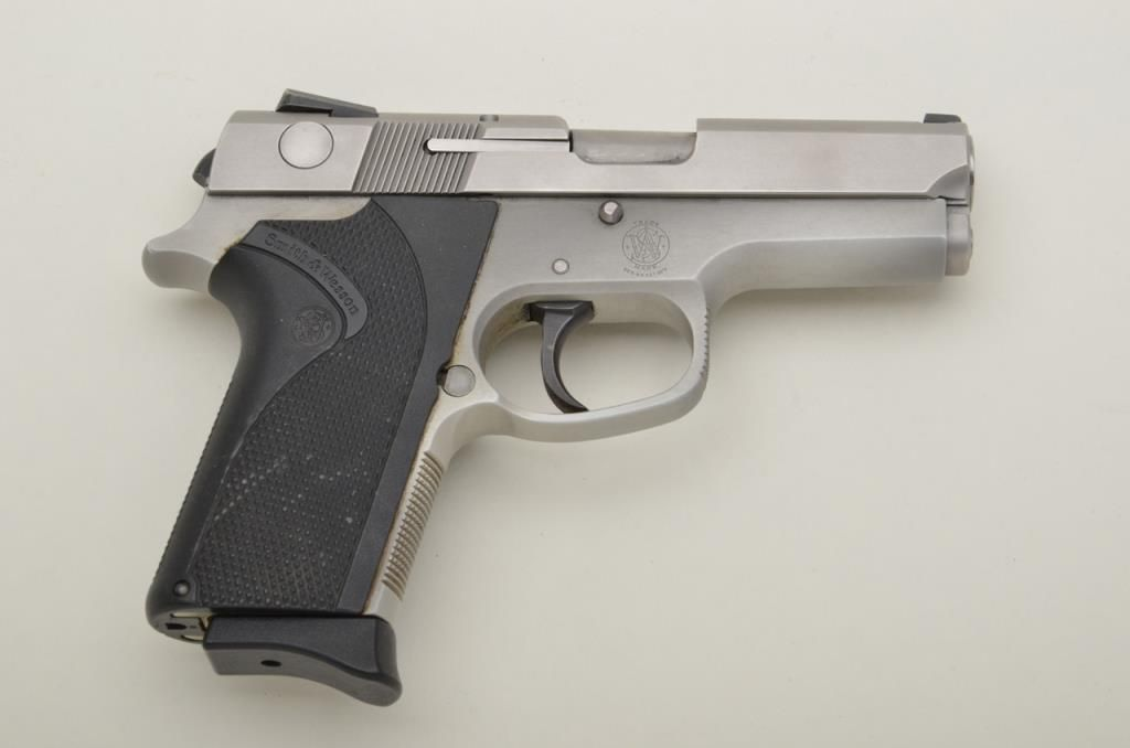 "Smith & Wesson Model 3953 DA semi-auto pistol, 9mm parabellum, 3-1/2"" barrel, stainless steel, wrap"