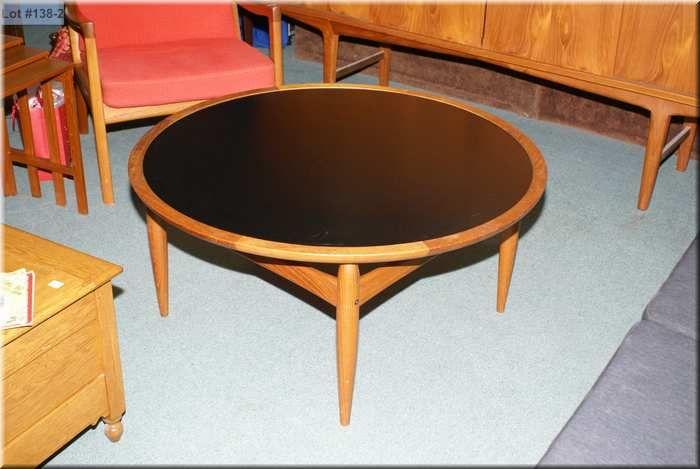 ... Image 2 : Round Teak Coffee Table With Reversible Top