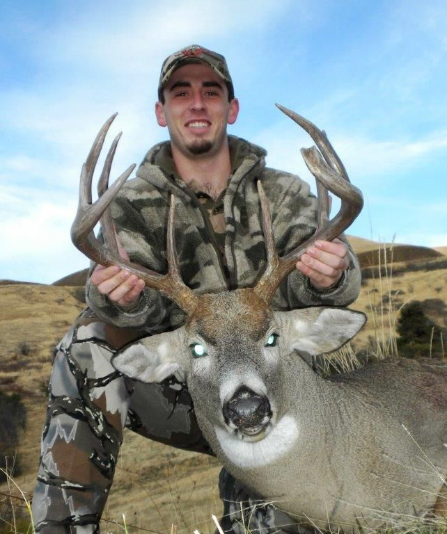 5 day trophy whitetail deer hunt for 1 hunter in idaho