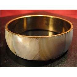 COSTUME JEWELRY MOTHER OF PEARL BANGLE BRACELET FASHION JEWELRY