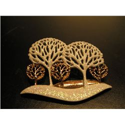 COSTUME JEWELRY WHTE MULTI TREE BROOCH