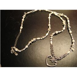 COSTUME JEWELRY FRESH WATER PEARL NECLACE WITH SILVER TONE HEART PENDANT