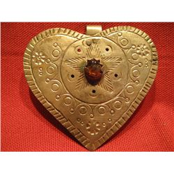 COSTUME JEWELRY LARGE HEART PENDANT