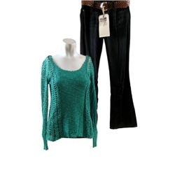 The Good Lie Carrie (Reese Witherspoon) Hero Movie Costumes