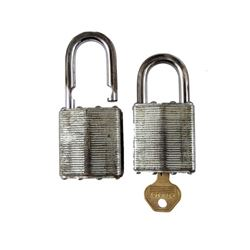 Falling Skies Season 5 Master padlocks Movie Props