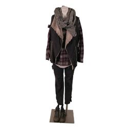 Falling Skies Season 5 Isabella Catalina (Sandino Moreno)  Movie Costumes