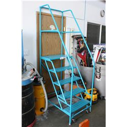 5' BLUE MOBILE SHOP STAIRS