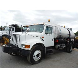 2001 INTERNATIONAL 4900 DISTRIBUTOR, S/N 1HTSDAAR21H386037, 7.6L INTERNATIONAL DIESEL, A/T, AIR BRAK
