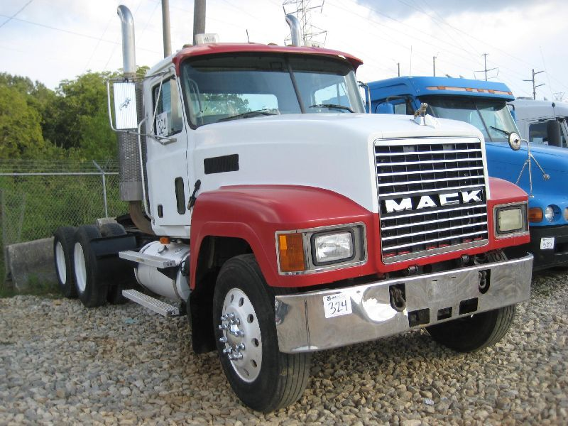 2003 mack ch613 t a truck tractor s n 1m1aa18yx3w153178 e7 427 rh liveauctionworld com Mack E7 Specifications E7-460 Mack Diesel Engine