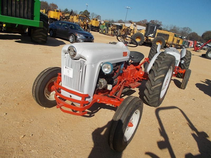 Ford 600 Tractor Farm : Ford farm tractor s n  pth pto