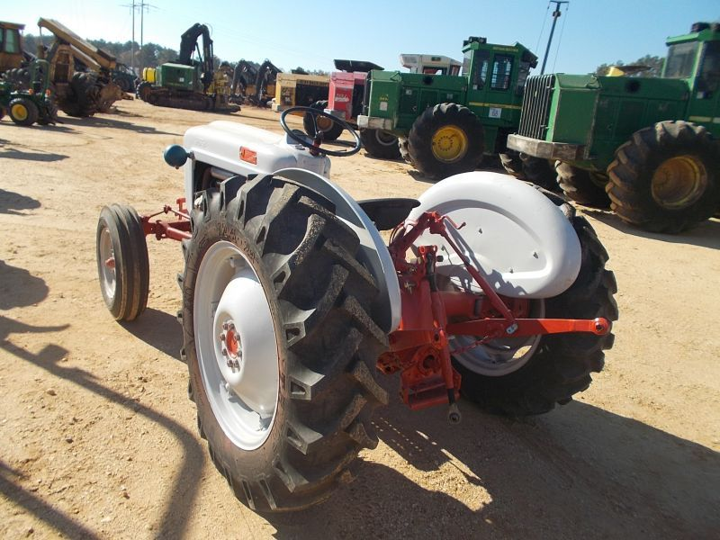 Ford 600 Tractor Start : Ford farm tractor s n  pth pto