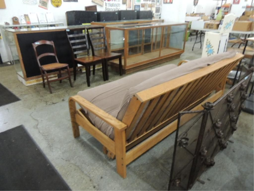 image 2   august lotz wooden futon frame and mattress     august lotz wooden futon frame and mattress  rh   icollector