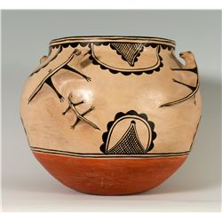 Cochiti Lizard Pot, Stephanita Herrera