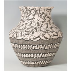 Large Acoma Pot, Sharon Stevens