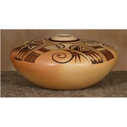 Hopi Pot, Dolly Joe Navasie White Swann