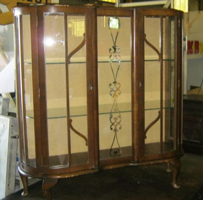 Vintage Curio Cabinet Has 2 Glass Shelves 2 Glass Doorsrca