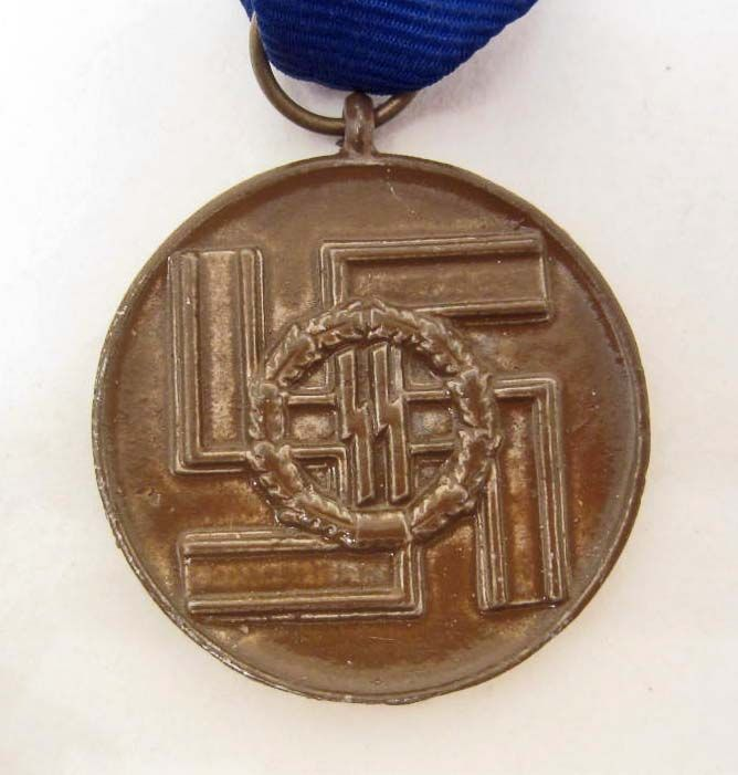 NAZI GERMAN WAFFEN SS 8 YEAR SERVICE DECORATION MEDAL