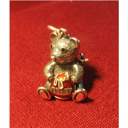 816. 3-dimensional HEAVY sterling bear charm with Honey pot and bee on shoulder, marked 925 THAILAND