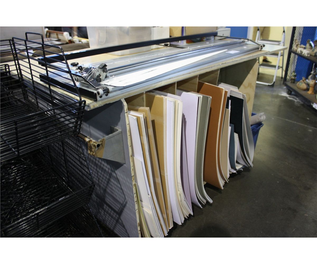 Superieur MOBILE FRAMING TABLE WITH MATTING, CUTTER, AND ARM. Loading Zoom