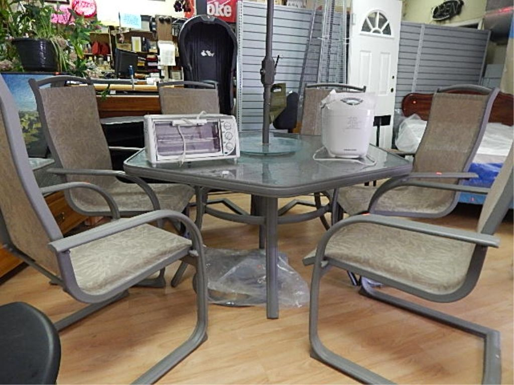 ... Image 2 : HEXAGON GLASS TOP PATIO TABLE WITH LAZY SUSAN AND 6 CHAIRS ...