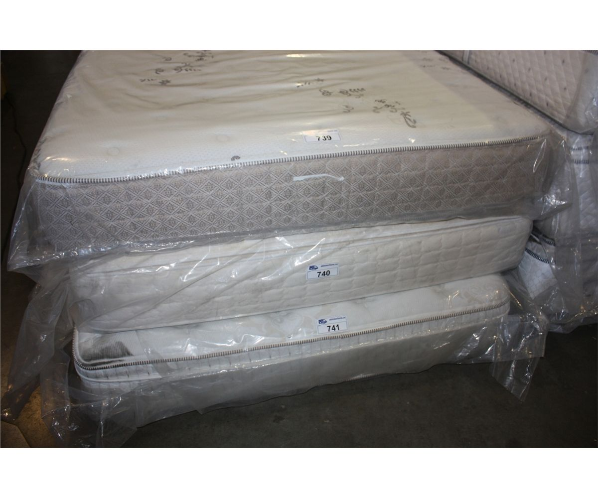Serta Queen Size Pillow Top Mattress Able Auctions
