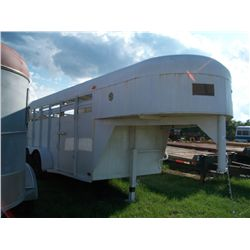 1974 HMDE 14 FT WHITE GOOSENECK STOCK TRAILER (BILL OF SALE & TAG RECEIPT ONLY - NO TITLE) Ser#:68H4