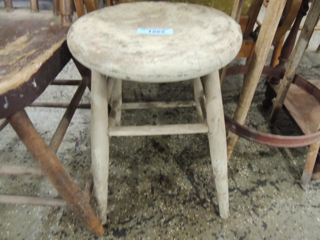 wooden shabby chic stool. Black Bedroom Furniture Sets. Home Design Ideas