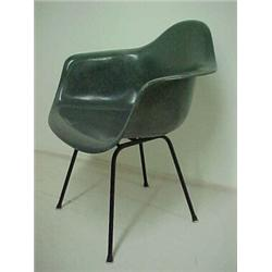 Eames D.A.R. Chair, Original Herman Miller Label, Charcoal Grey Molded  Fiberglass Shell Resting O.