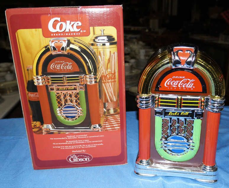 coca cola marque cookie jar by gibson new in box shaped like a juke box. Black Bedroom Furniture Sets. Home Design Ideas