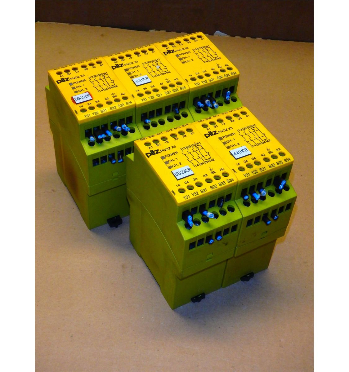 21238097_2?v\=8D1E2A9D186BF90 pilz pnoz x3 safety relay wiring diagram gandul 45 77 79 119 pilz pnoz x3 wiring diagram at readyjetset.co