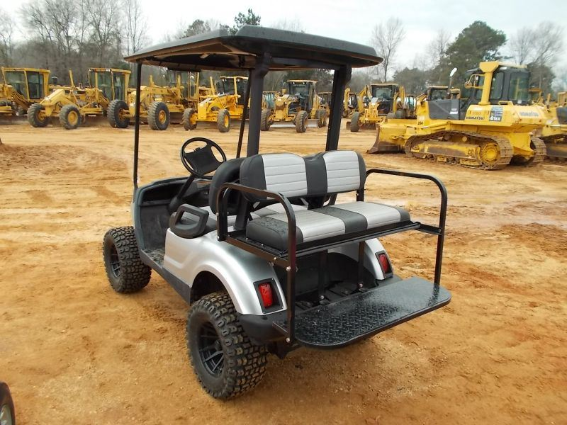 Jw  Yamaha Golf Cart