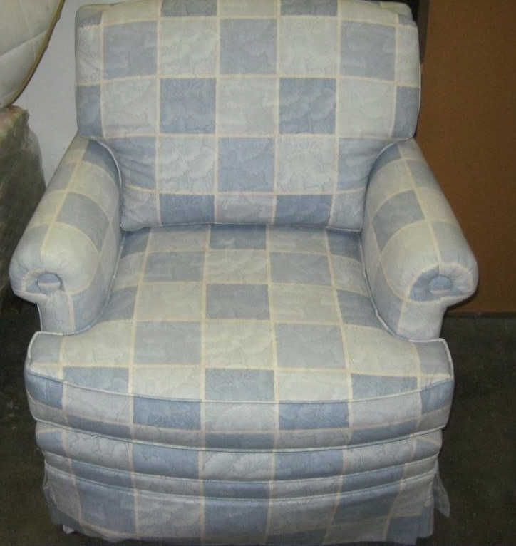 Overstuffed easy chair for Overstuffed armchair
