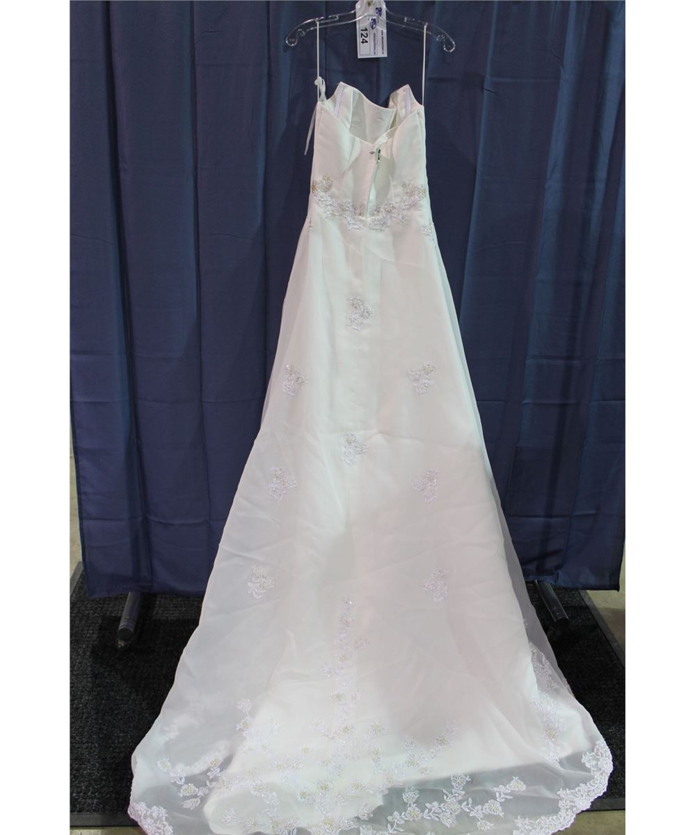 Ivory wedding dress with train floral beaded pattern for Wedding dress beading patterns