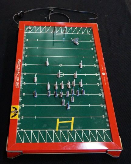 Image 3 VINTAGE TUDOR TRU ACTION ELECTRIC FOOTBALL GAME