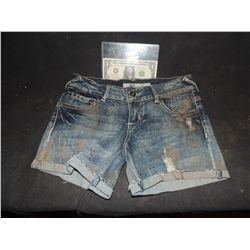 THE WALKING DEAD BLOODY ROTTEN ZOMBIE SHORTS 4