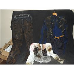 THE WALKING DEAD BLOODY ROTTEN ZOMBIE COMPLETE BURNED WARDROBE