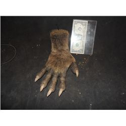 HOWLING THE WEREWOLF HAND SCREEN USED