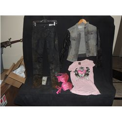 THE WALKING DEAD BLOODY ROTTEN ZOMBIE COMPLETE PINK WARDROBE 3