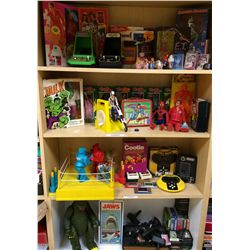 VINTAGE ALIEN SUPER HERO TOY & VIDEO GAME COLLECTION