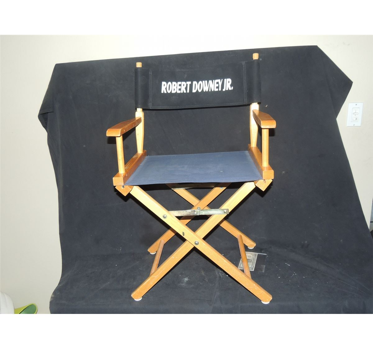 sc 1 st  iCollector.com & AVENGERS THE IRON MAN ROBERT DOWNEY JR DIRECTOR CHAIR USED ON SET