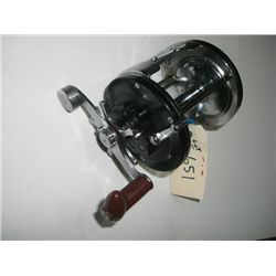 DICKSON SALTWATER FISHING REEL *HEAVY DUTY-EXCELLENT CONDITION* MODEL 9559/A WITH FREE SPOOL AND ADJ