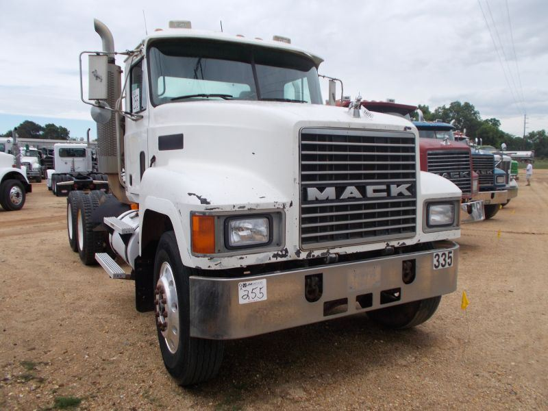 2000 Mack Tractor Truck : Mack ch t a truck tractor s n m aa yoyw