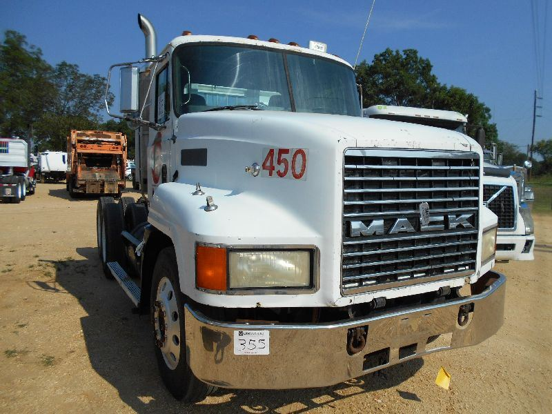 2000 Mack Tractor Truck : Mack ch t a truck tractor s n m aa y yw