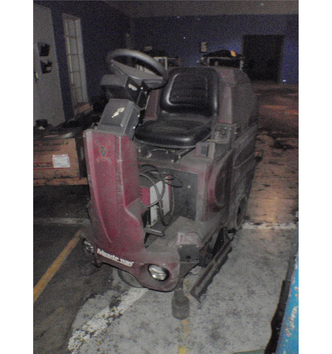 of machine floor cordless full chicago size indianapolis rental minuteman repair pictures magnificent troubleshooting commercial windsor floors scrubbers scrubber concept