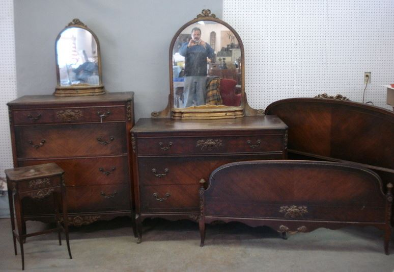 Five piece walnut bedroom set signed Johnson Furniture Grand Rapids,  Michigan - includes a gent's - Antique Furniture Michigan Antique Furniture